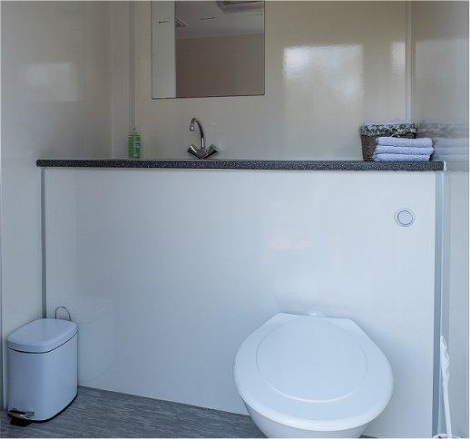 verhuur-workshopruimte-vergaderlocatie-eigen-opgang-en-sanitair