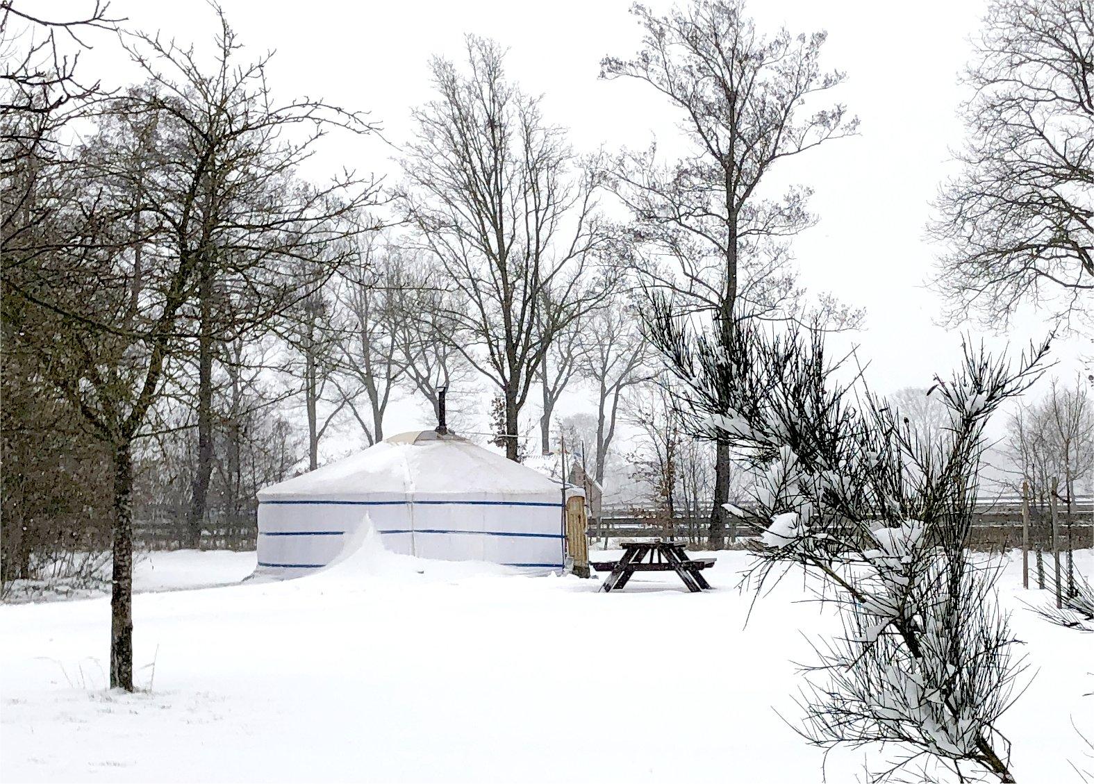 Yurt, Nederland, winter, winterkamperen, bed and breakfast, vakantie in eigen land